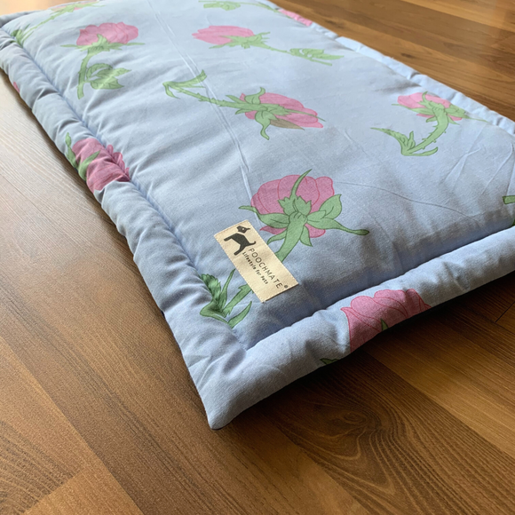 PM OAK Bed of Roses Blue Mat - Medium