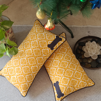 PoochMate Quatrefoil Mustard Dog Pillow