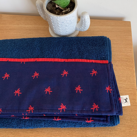 PoochMate OAK Doggie Towel - Blue & Red Mandarin