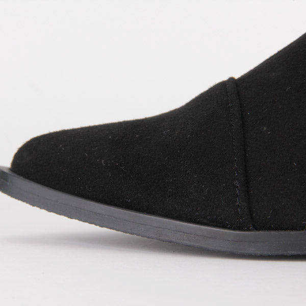 *CYRA - black, 2cm size UK 3