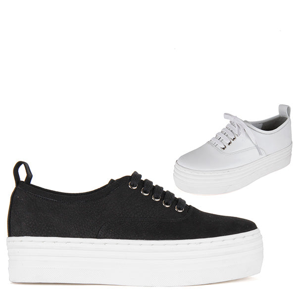 fce557bd4f5f0 Petite Size Flatform Sneakers Black Or White Contrast laces Toogood ...