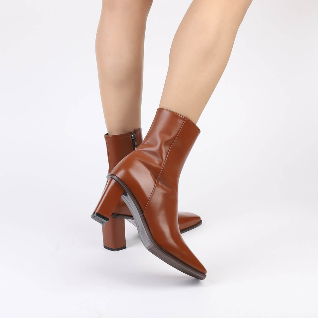 DIVINE BROWN - ankle boots
