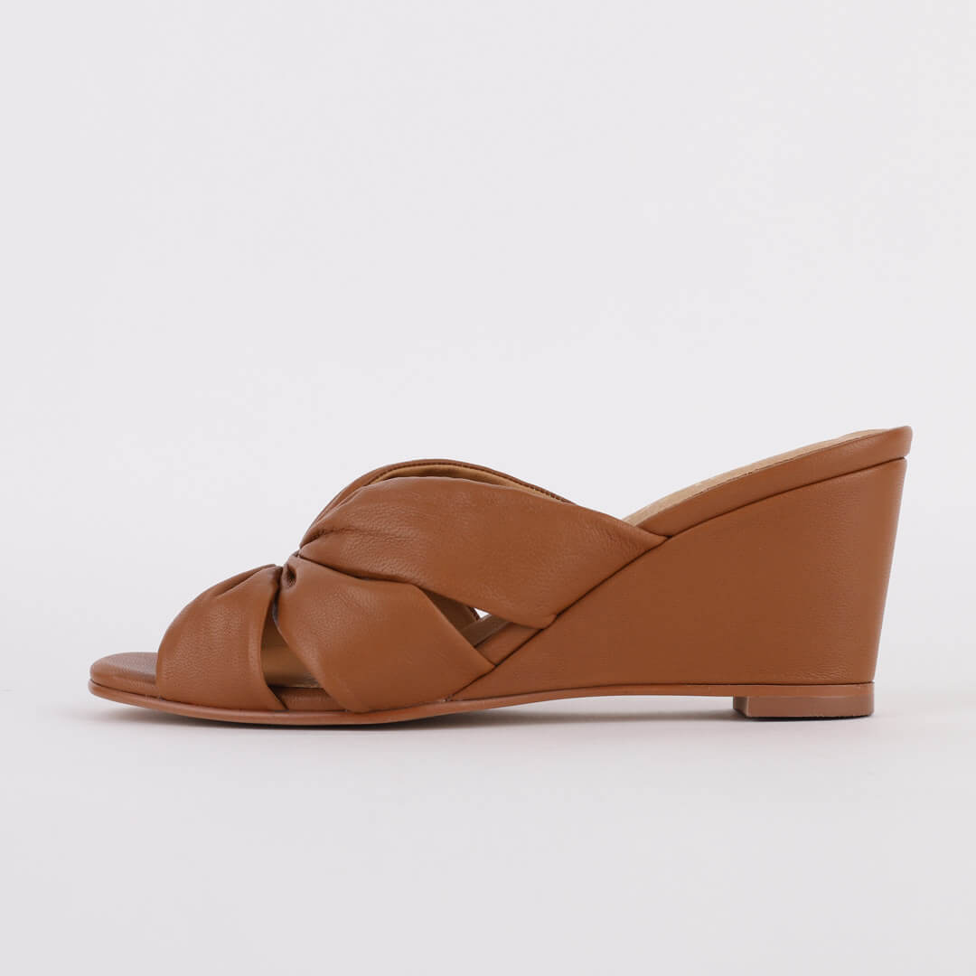 KRIS - leather Wedge