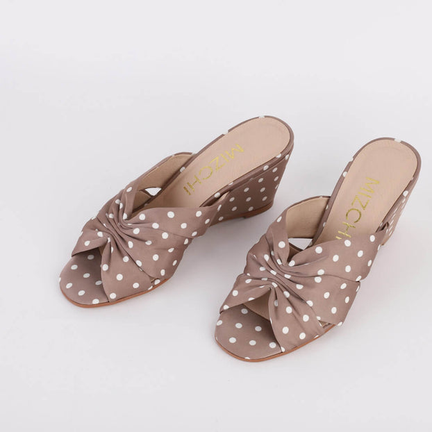 *KRIS - Grey Polka Dot, 6cm size UK 1