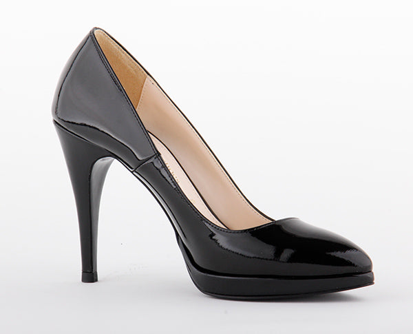 *BACK TO BLACK - patent, 10/1cm, size 34.5