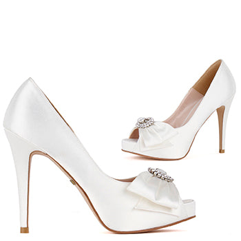 *WHITE CHAPEL - Ivory satin, 8cm size UK 13