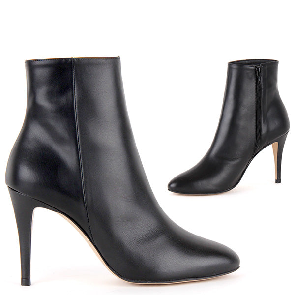944af7e1bea Classic Petite Size Black Leather Ankle Boots OSCAR by Pretty Small ...