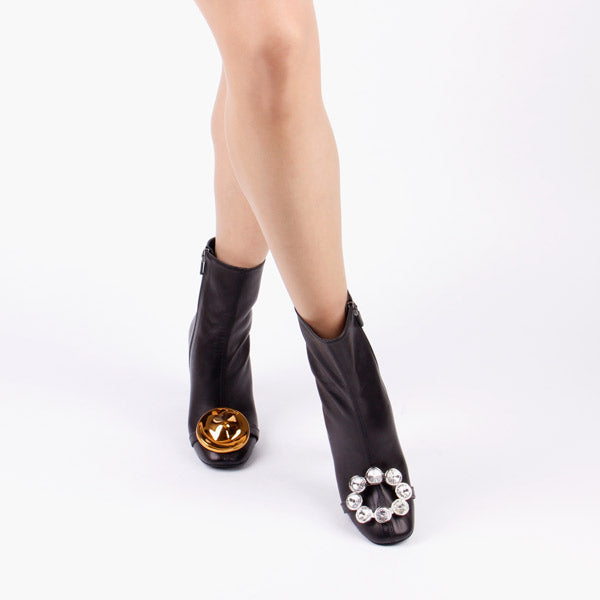 *REBEL - black, 5cm size UK 1 (worn in photo shoot)