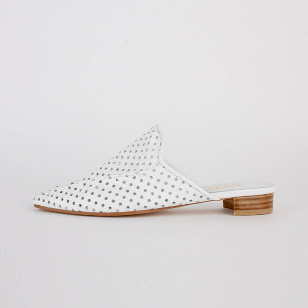 *IMMA - white, 2cm size UK 2