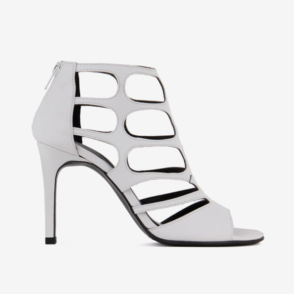 *RAZIKA - white, 7cm size UK 2.5