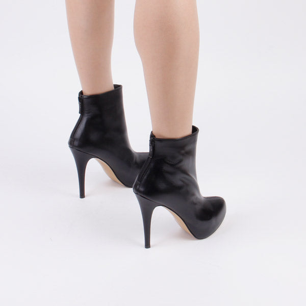 *PASHA (ANKLE)- black leather, 7cm, size UK 2