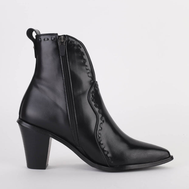 JUDITH - western style ankle