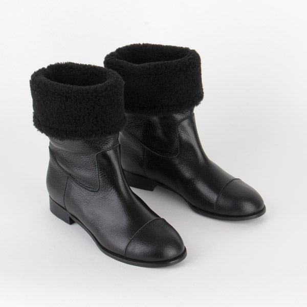 *MINKO -  black, 2cm size UK 3