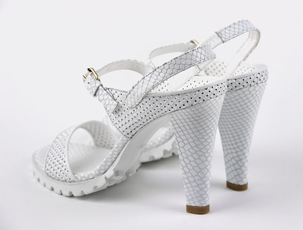 *EXAMPLE, White, 7cm size UK 2