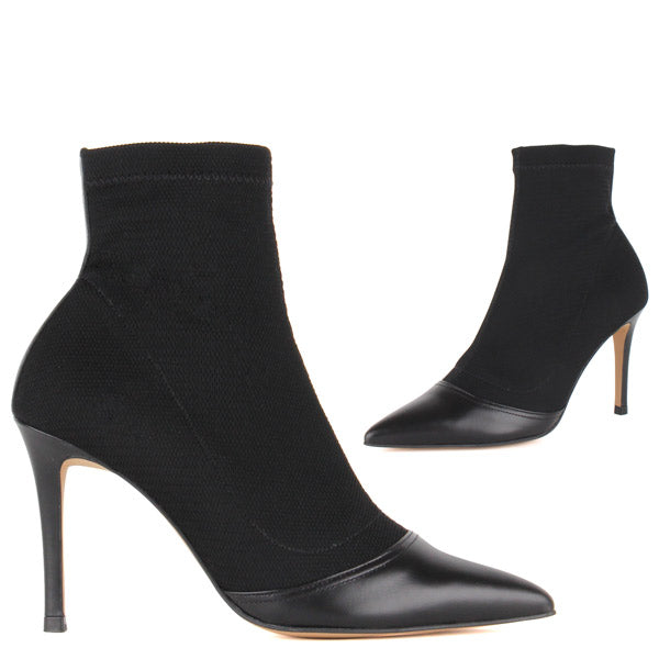*MARA - black, 10cm size UK 2