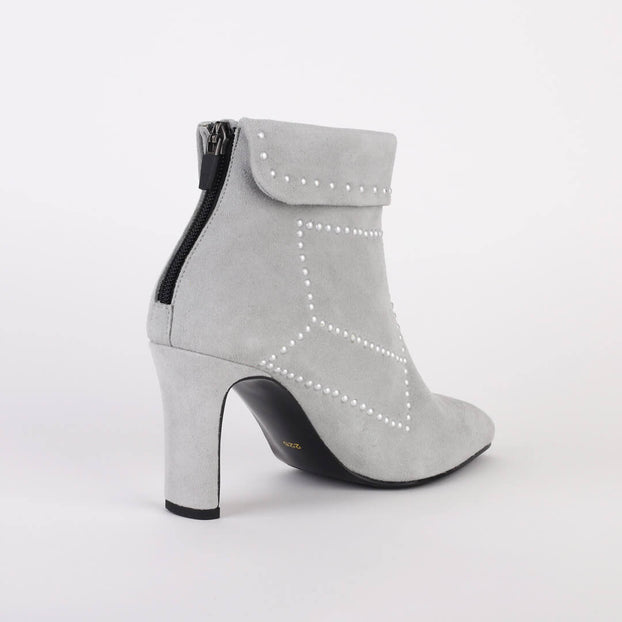 *KNOWN - grey, 8cm size UK 2.5