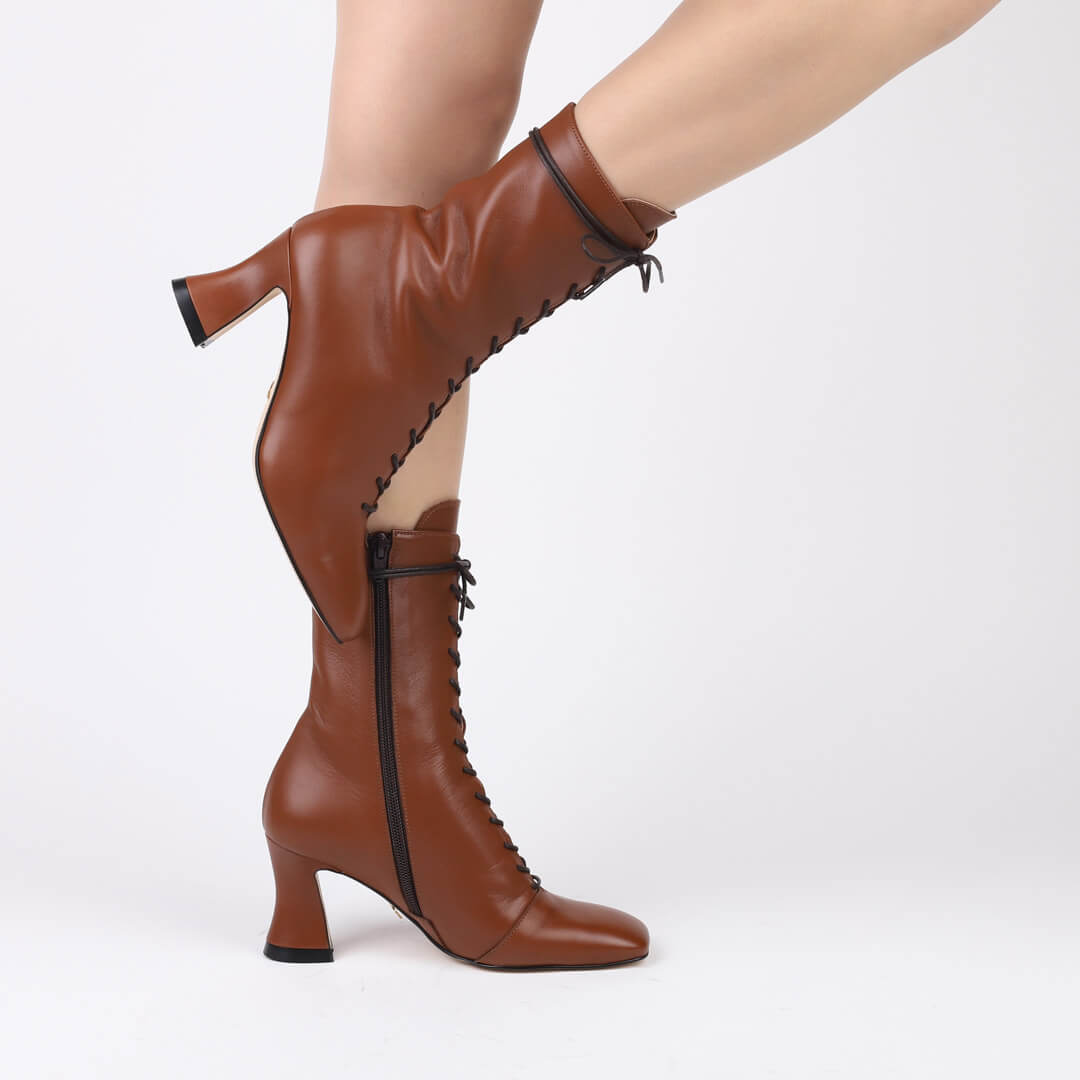Alaa - lace up ankle boots