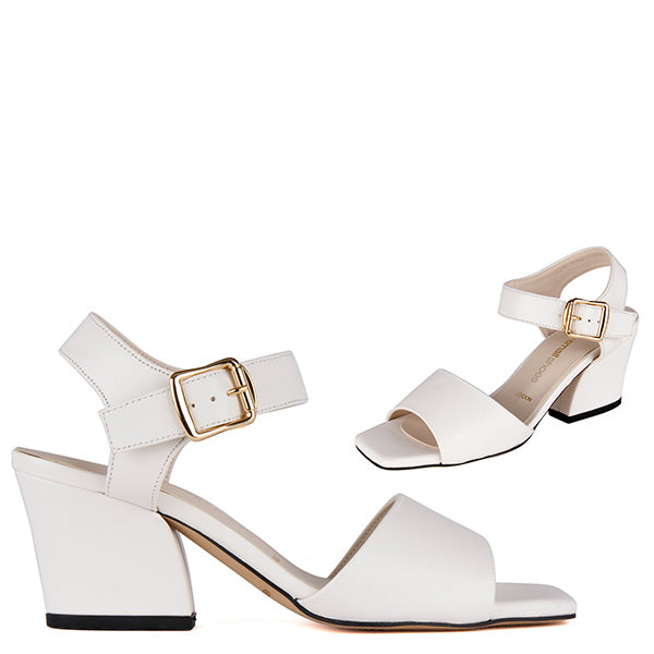 d1607718a6f98 https://pretty-small-shoes.com/ daily https://pretty-small-shoes.com ...