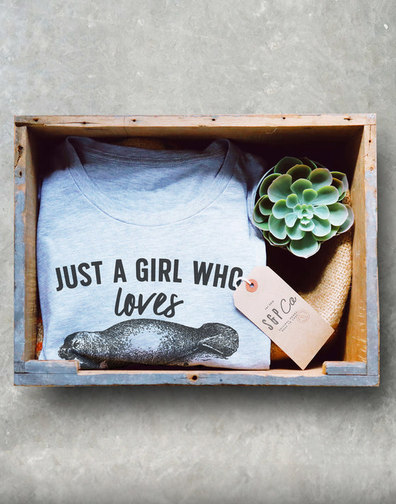 Just A Girl Who Loves Manatees Unisex Shirt - Manatee Lover Gift, Sea Cow Shirt, Sea Creature T-Shirt, Floaty Potato Shirt, Marine Biologist