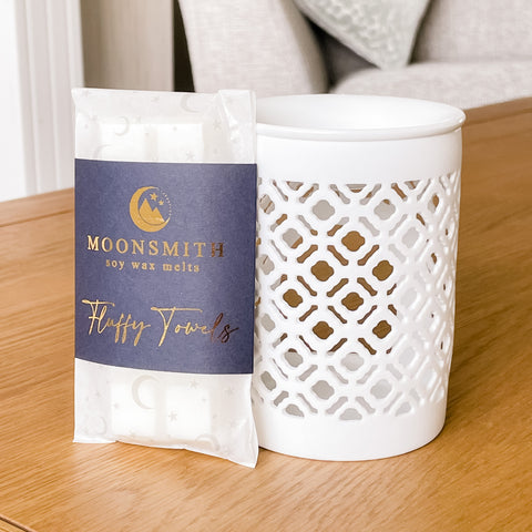 Lattice White Cutout Detail TEALIGHT Wax Melt Burner & 1 free wax melt