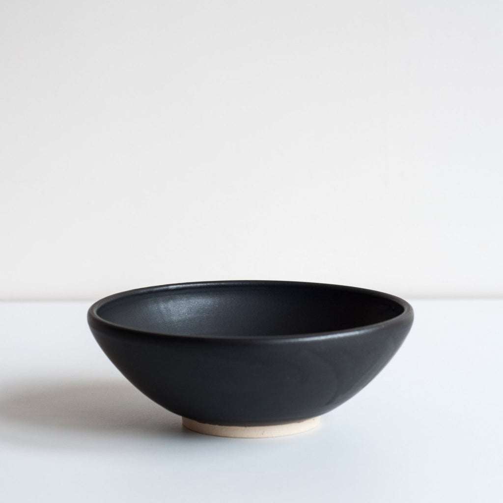 Dor & Tan Black Footed Bowl