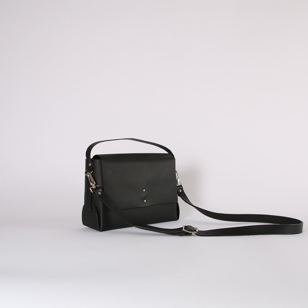 Smooth Black Halo Bag