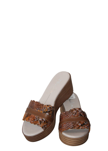 Phelan Slip On Leather Shoe - Brown
