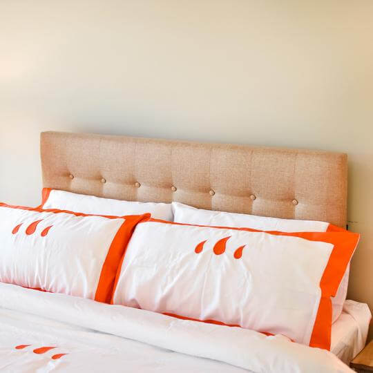Caché District Classic Duvet Set in Orange Jungle Pillows
