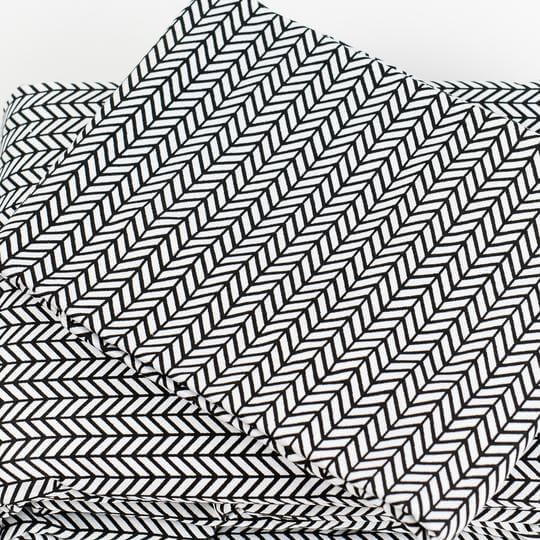 Caché District Herringbone Sheet Set in Black Jungle Pillows
