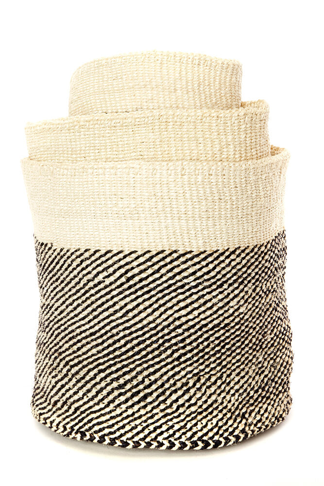 Swahili African Modern Set of Three Black and Cream Twill Sisal Nesting Baskets