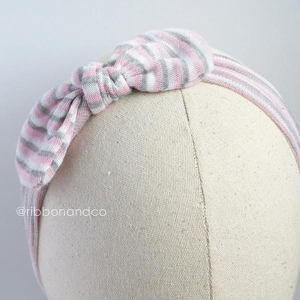 Selftie Grey Pink Stripes