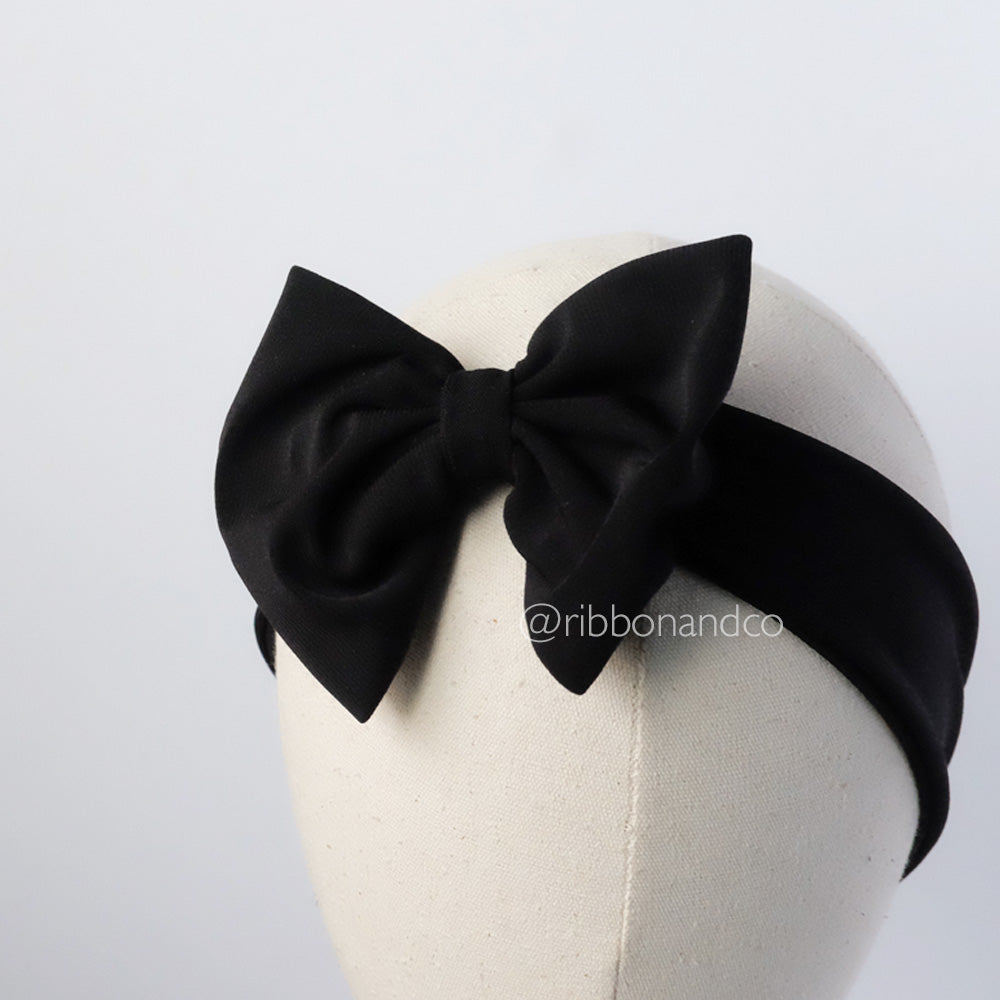 Stretchy bow black