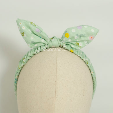 Bunny Wrinkle Band Green Dots