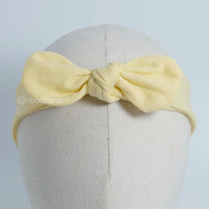 Selftie Pale Yellow