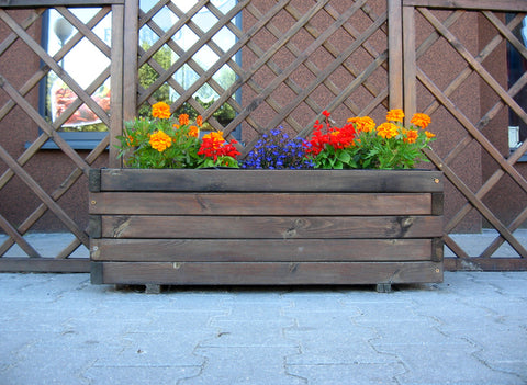 A Dozen Clever Landscaping Ideas For Planter Boxes