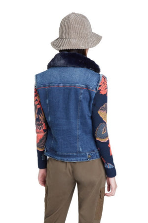 Trucker jacket with removable collar