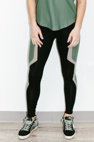 Luna Scuba Legging in Black/Agave