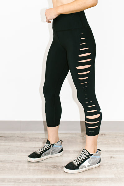 High Waist Slice Capri Black