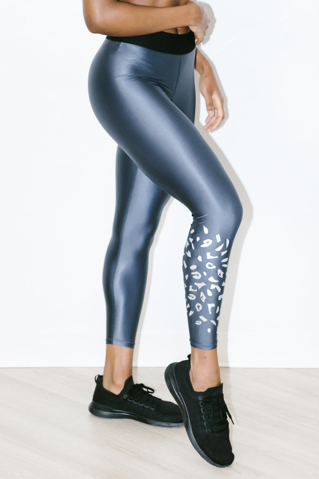 Luminous Legging in Rocky Silver