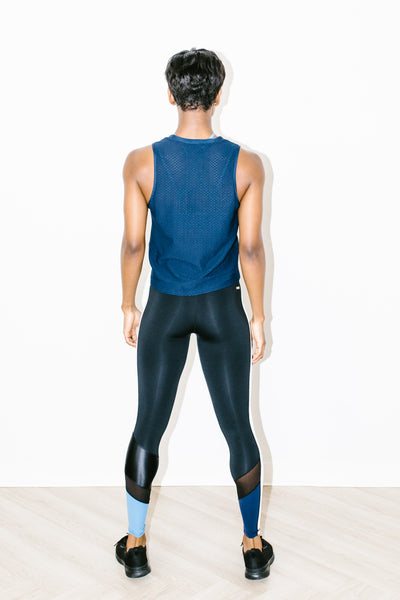 Muscle Netz Tank in Midnight Blue
