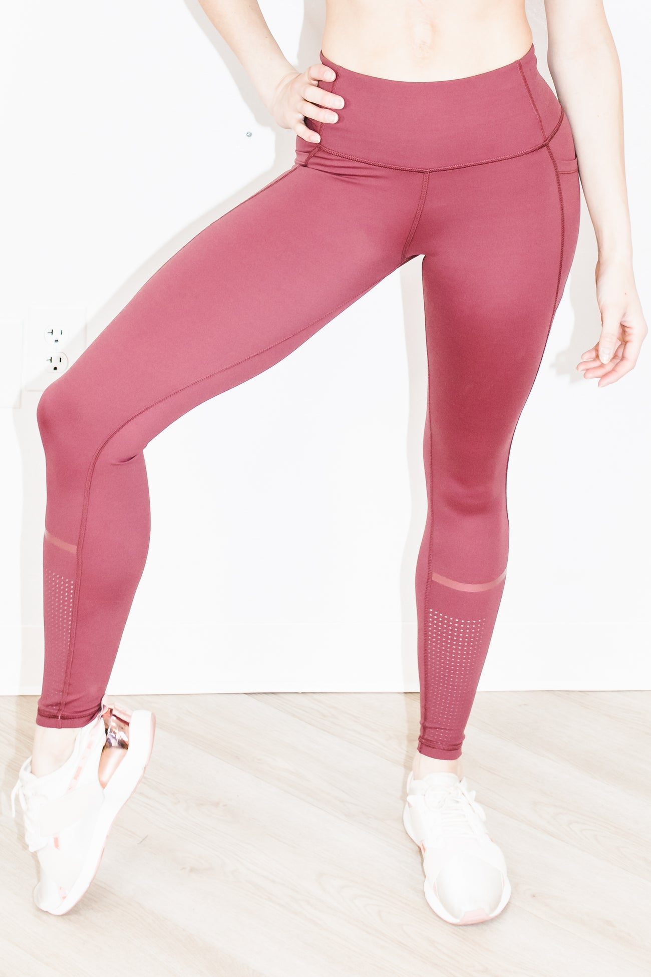 Alex Legging in Crimson