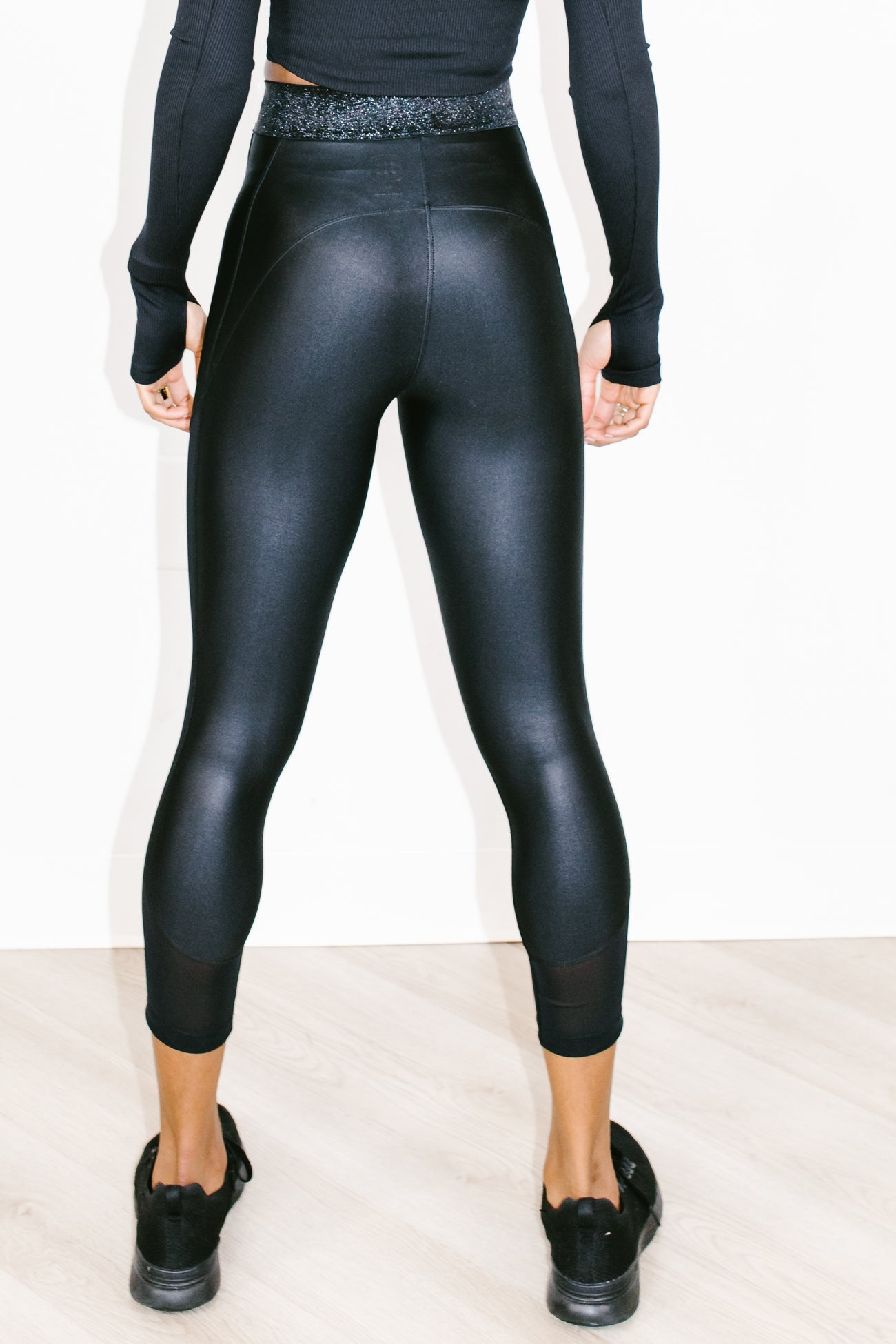 Derby Capri in Black