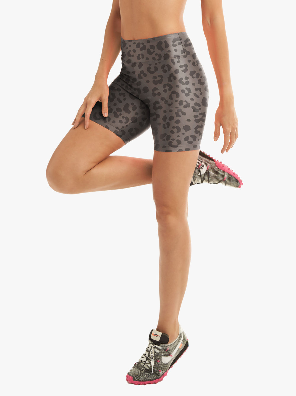 Slalom High Rise Short in Lead Leopard