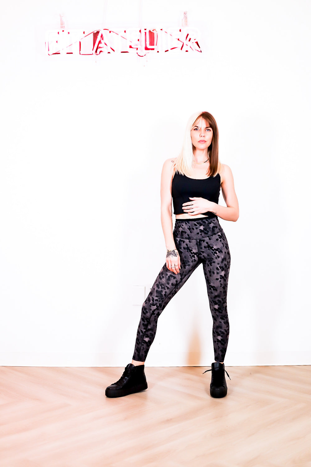 Dual Waistband Airweight 7/8 Legging in Black Animal Print