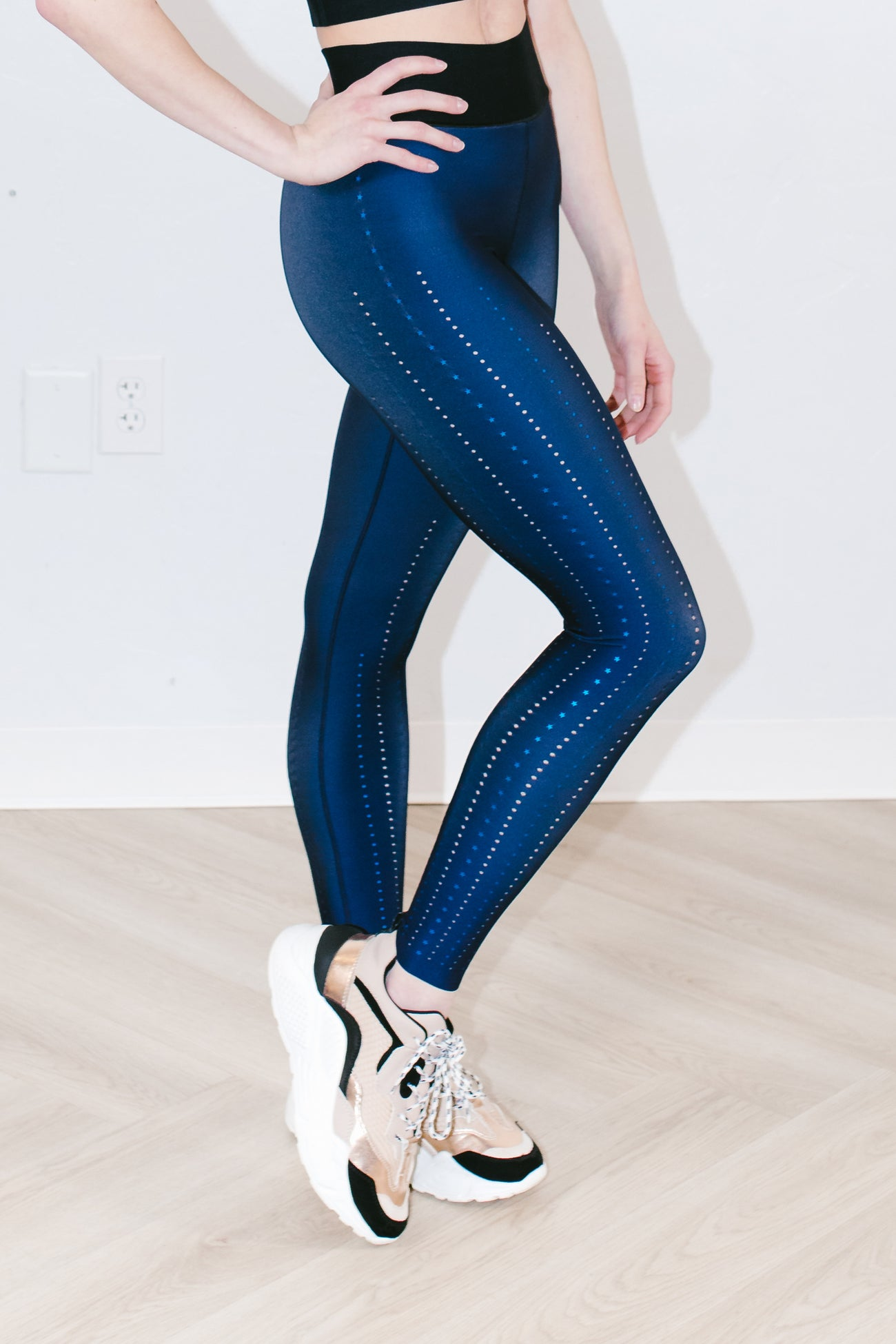 Ultra High Corsetry Legging in Navy Blue Metal
