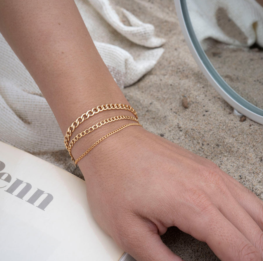 Gold Thin Curb Link Bracelet