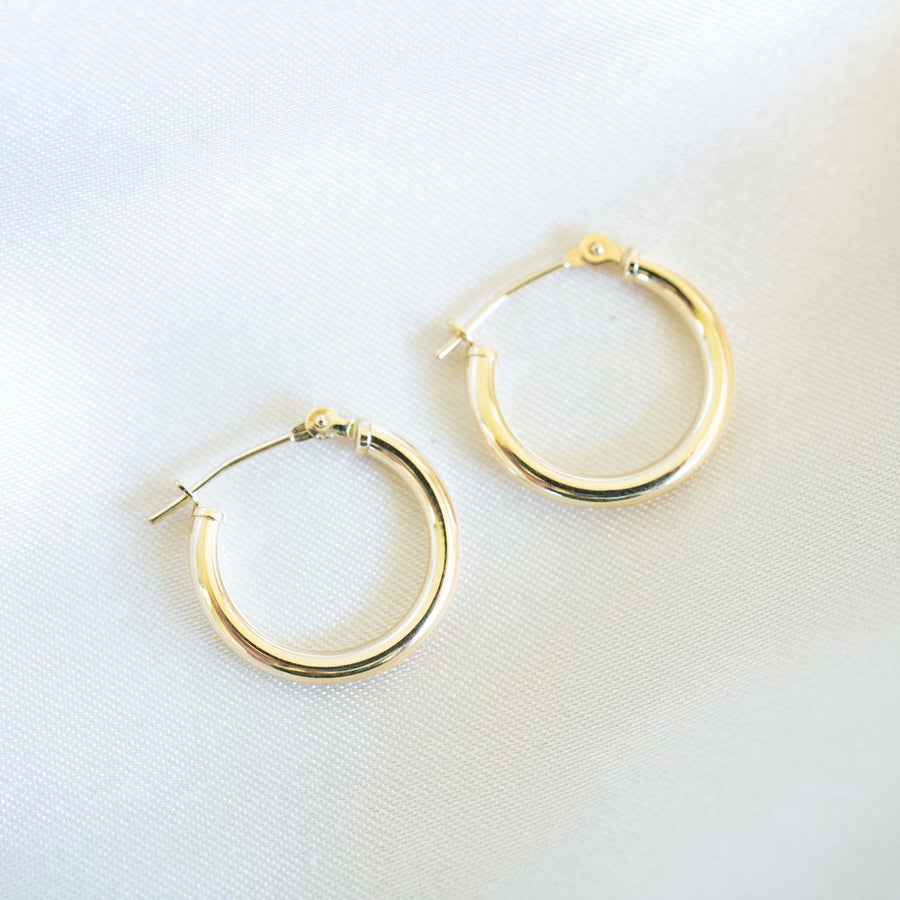 14k Solid Gold Hoops | 15mm | Lightweight Hoops, Clasp Hoops, Everyday Earrings, 14k Gold Hoops,  Holiday Gift, Gift for Her, Holiday, Gift