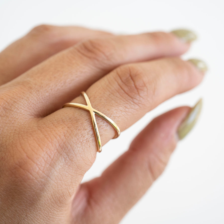 14k Solid Gold X Ring, Gold Cross Ring, 14k Gold Ring, Gold Criss Cross Ring, Gold X Ring, 14k Gold X Ring, Gift for her, Holiday Gift, Gift