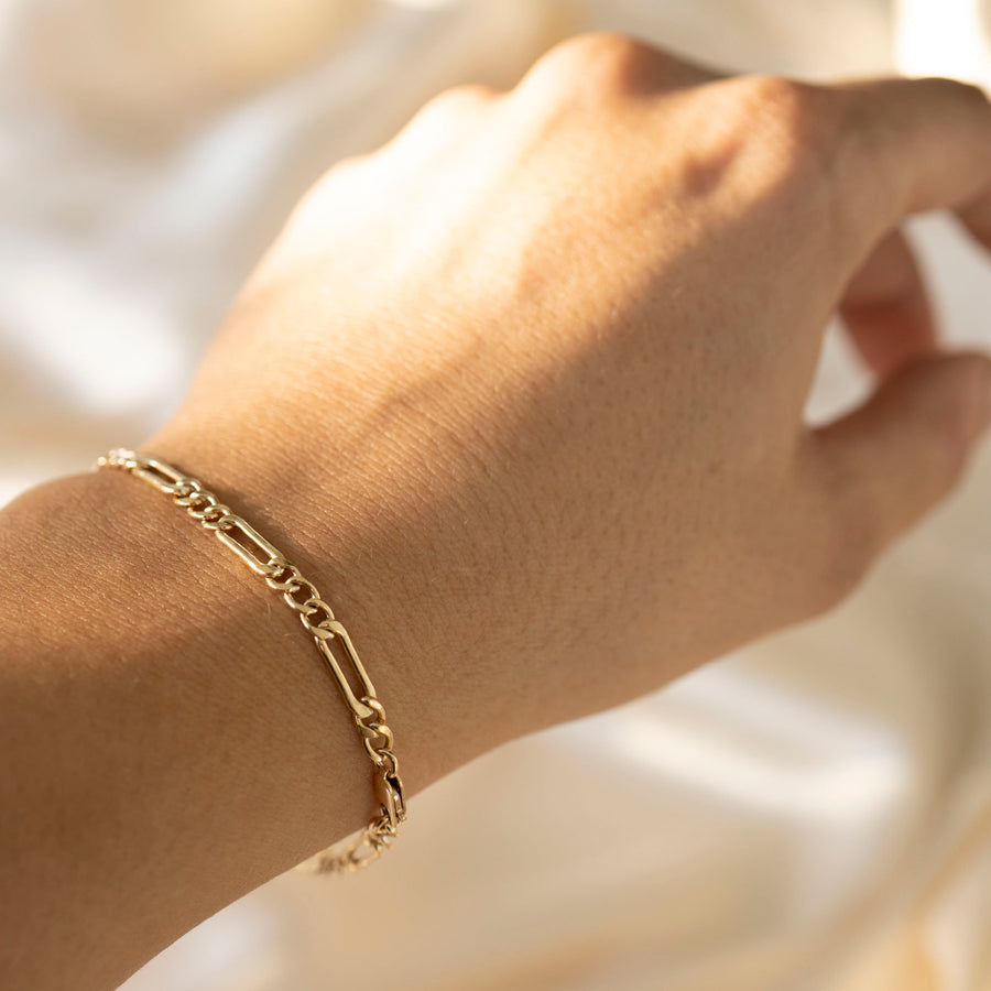 Gold Figaro Bracelet, 14k Gold Bracelet, Simple Gold Bracelet, Chain and Link Bracelet, Chain Bracelet, Gift for Her, Rectangle Bracelet