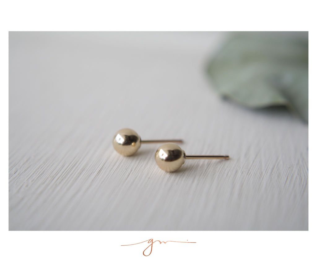 Studs Bolita Simple Gold